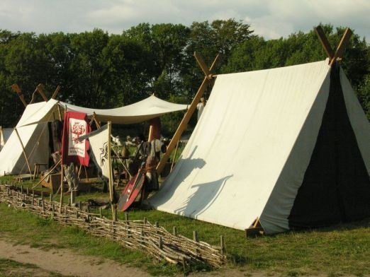 A lively camp (Ribe)
